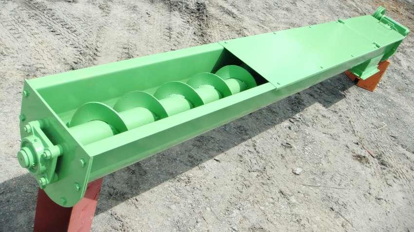 Habilita el transporte medido y uniforme de la biomasa para el abastecimiento de briquetadoras, hornos y calderas a biomasa.