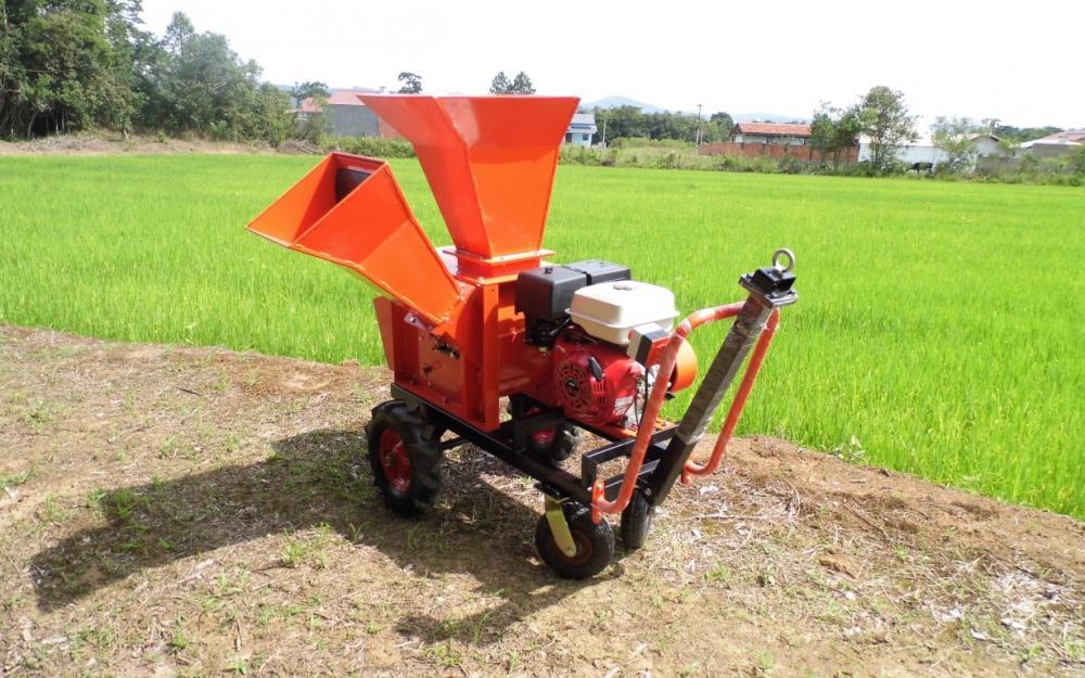 Um triturador e picador poderoso para uso profissional ou doméstico