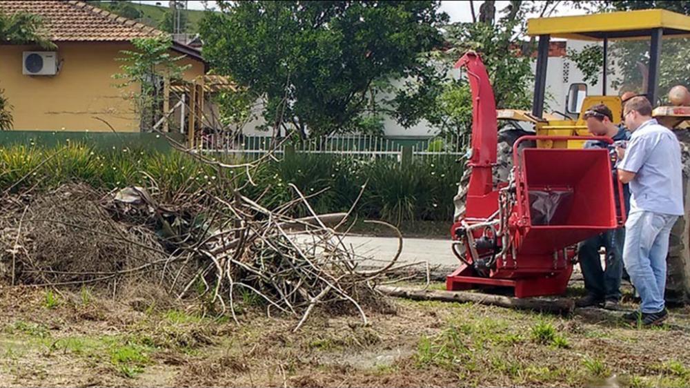 Equipo ideal para limpiezas, podas, de forestas o para procesar residuos verdes de municipios y predios.