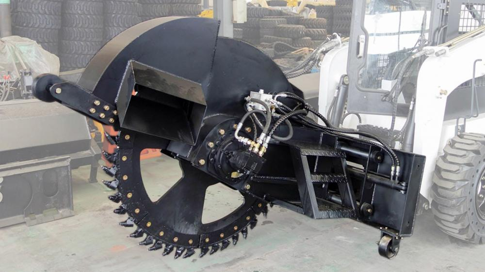 Trencher coupled to Mini Loader VLD 600