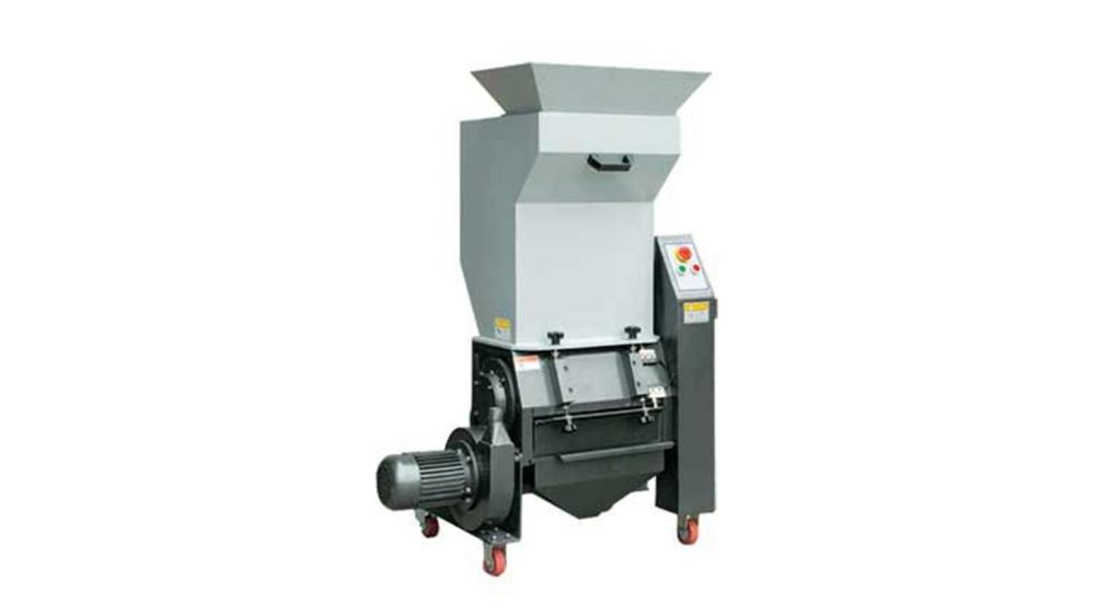 Portable waste shredder, ideal for small applications, capable of grinding wood, sawdust, chips, fabrics, straw, cardboard, plastics and other waste.