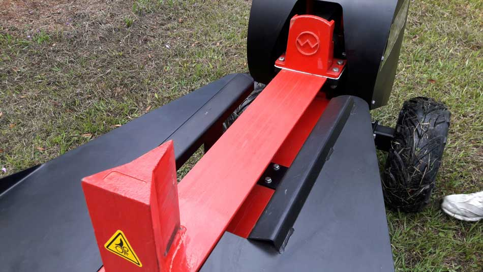 Ability to split logs up to 750 mm in diameter