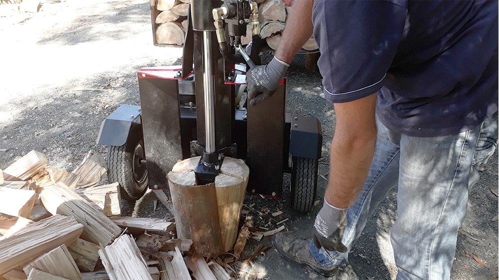 Capacidad para partir troncos hasta 750 mm de longitud