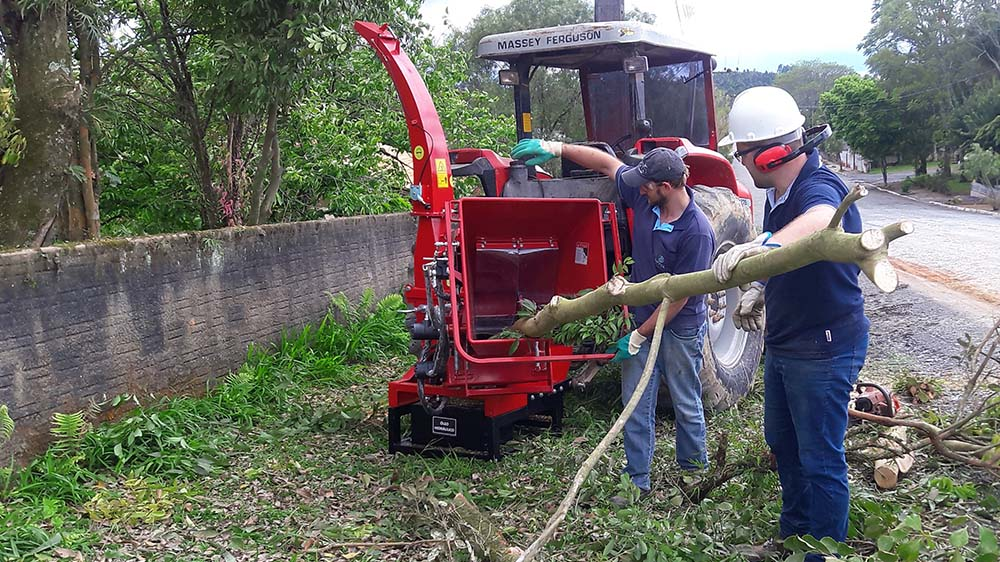 Capacidad para troncos hasta 200 mm de diámetro
