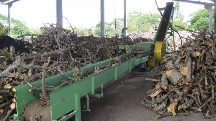 Chipper infeed conveyor PTL 170x400 in composting company