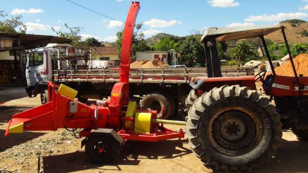 Coupled to the tractor can be transported easily