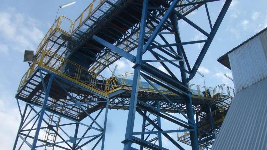 Detalle de pistas que conducen al punto de alimentación silo de biomasa