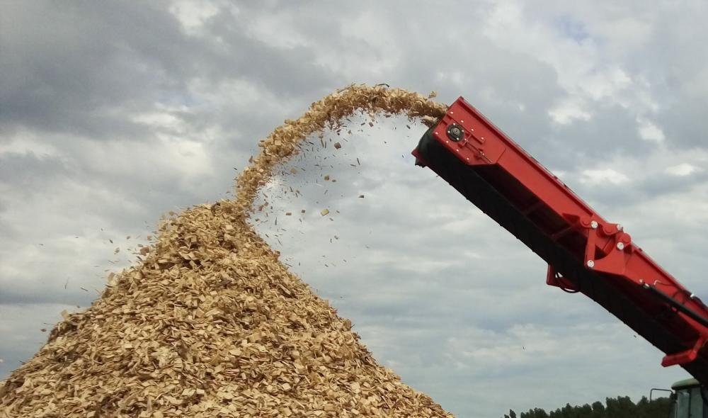 Extração dos cavacos via transportador de Calha