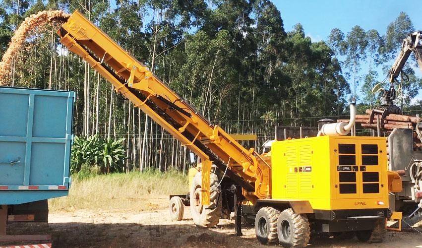 Extracción del material a través de la cinta transportadora a más de 4.8 m de altura
