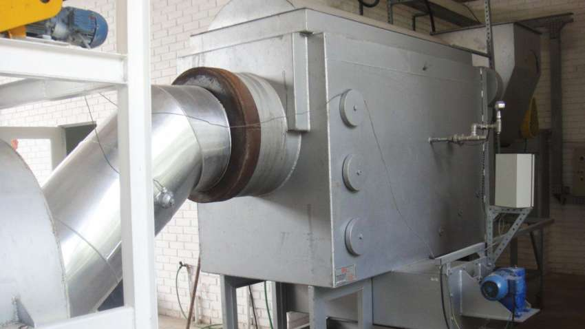 Furnace for calcining gypsum