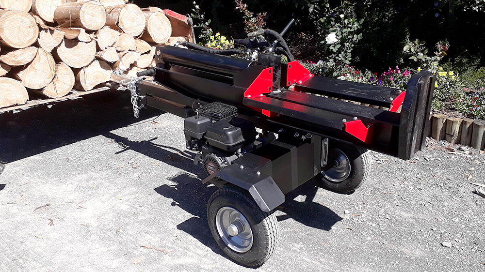 Gas powered log splitter RTG 04