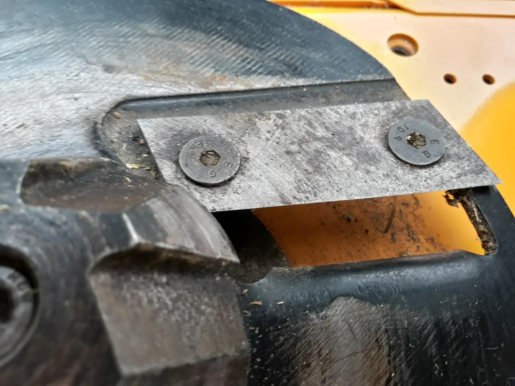 Hardened steel blades.