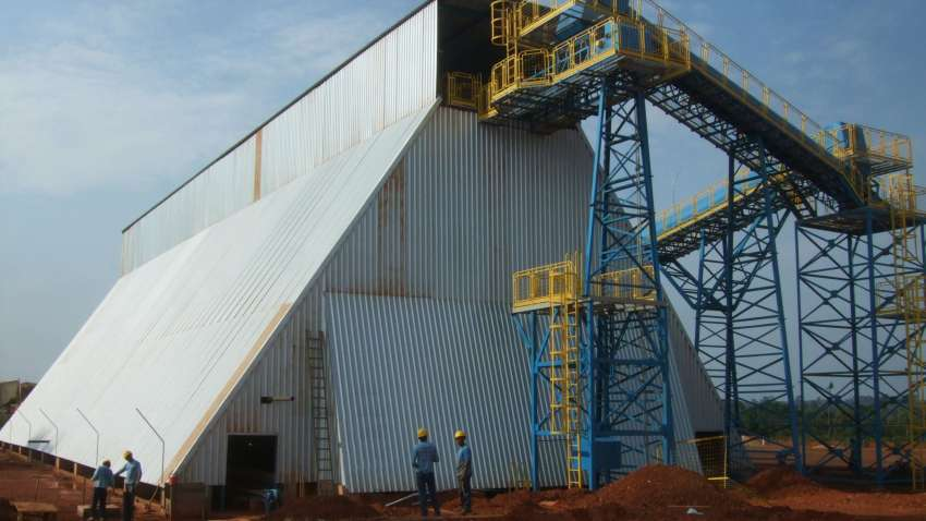 horizontal silo for storage of large quantities of biomass