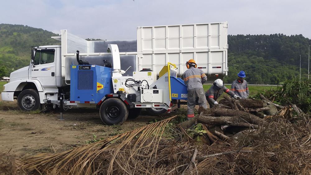 Es utilizado por los contratistas, constructores, ayuntamientos, empresas de jardinería y otros.
