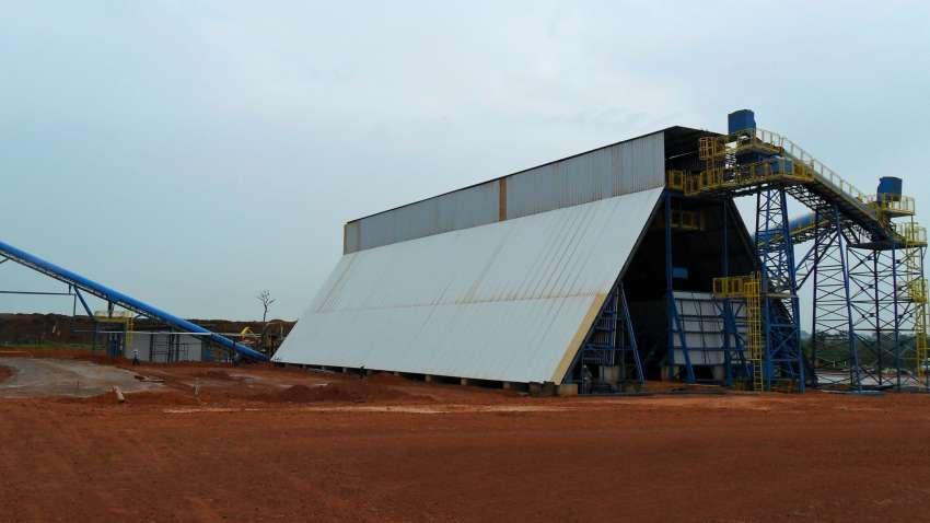instalación del silo horizontal en la planta de energía