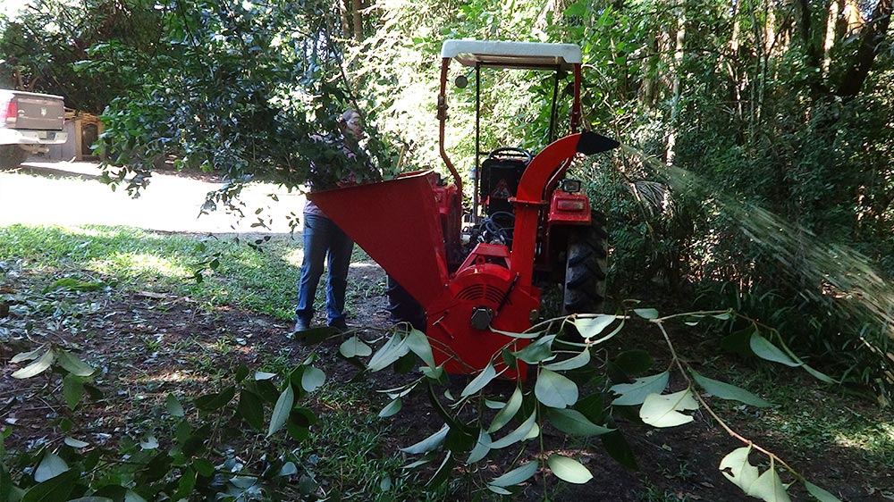 It produces high uniform chip quality, ideal for soil cover, composting or energy burning.