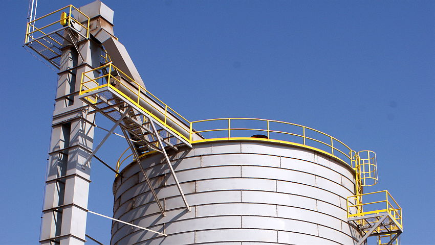 Bucket Elevator Vertical Handling Of Materials In Bulk