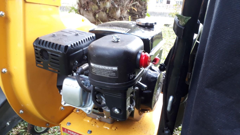 Motor com ignição elétrica