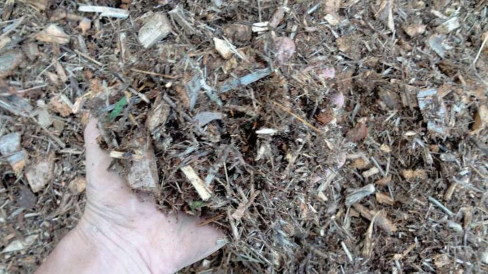 O Castor 500 T também produz material homogêneo para compostagem.