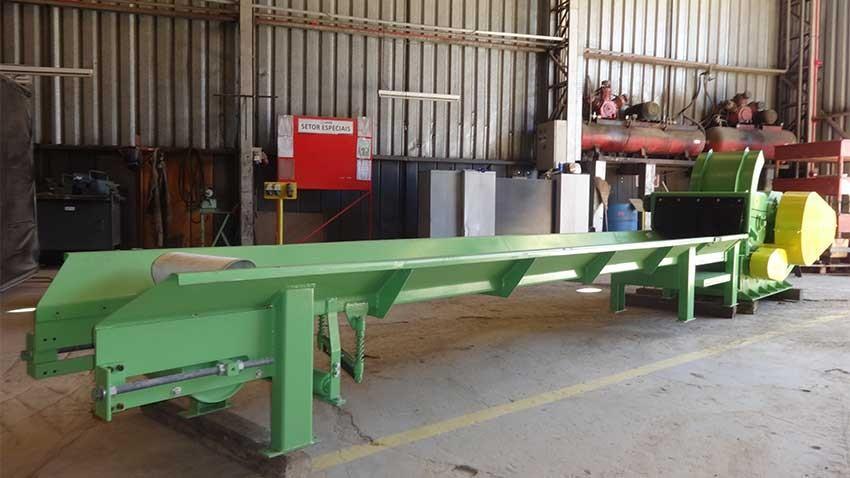 Picador de madeira PTL 170 x 400 com calha de entrada