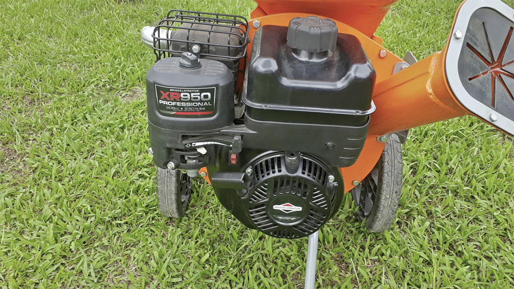 Powerful gasoline engine with 5 HP having excellent size x power