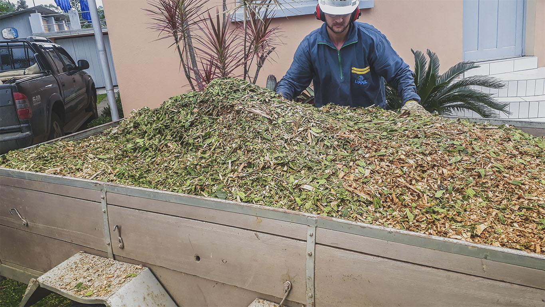 Produce compuesto orgánico rico para el compostaje
