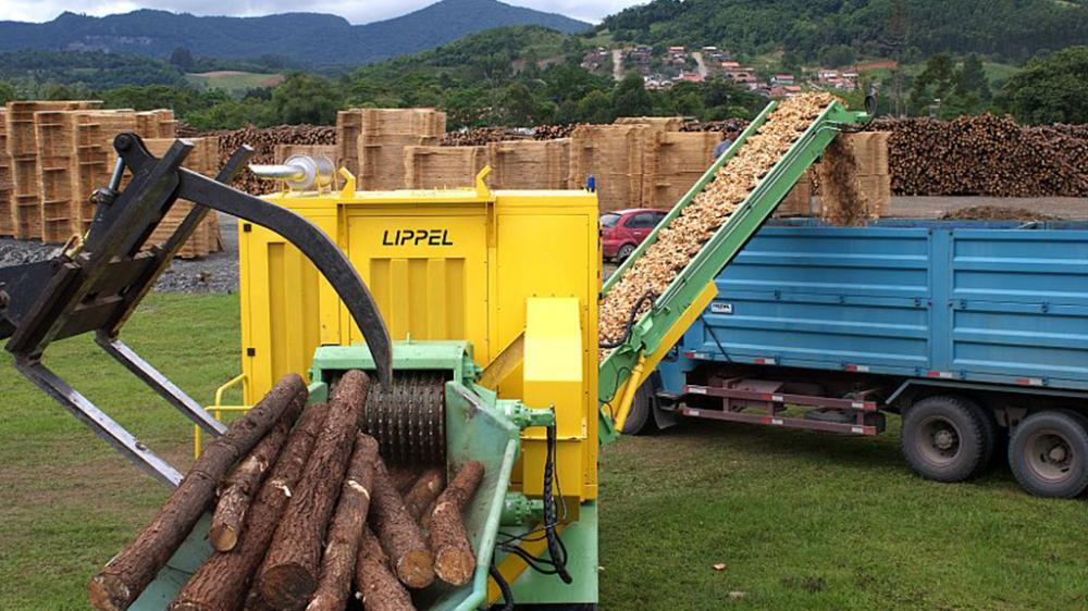 PTML 350/550 x 800 Chipping logs