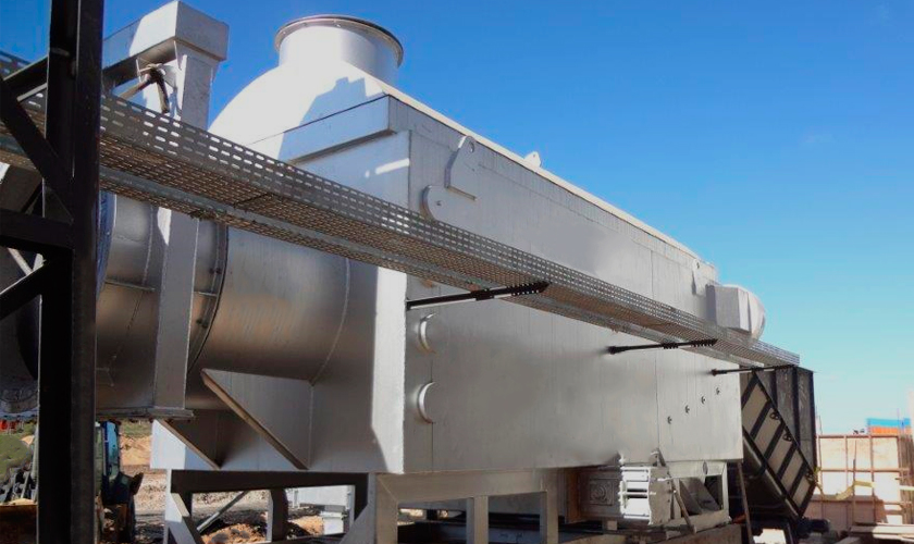 São sistemas recomendados para biomassas de difícil combustão e alta umidade, como misturas de cavacos, cascas de árvores e bagaço de cana.