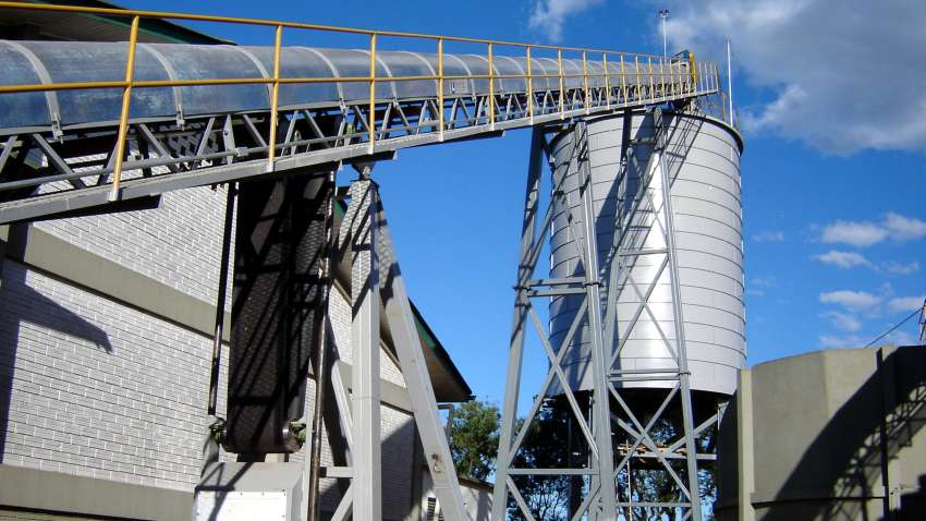 Silo Lippel biomass; with conveyor belt