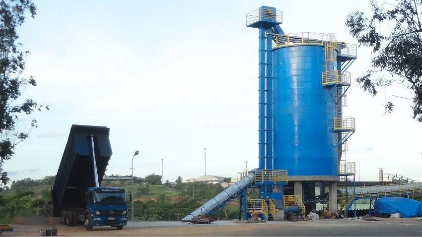 Silos Verticais para Armazenagem de Cavacos e Biomassa