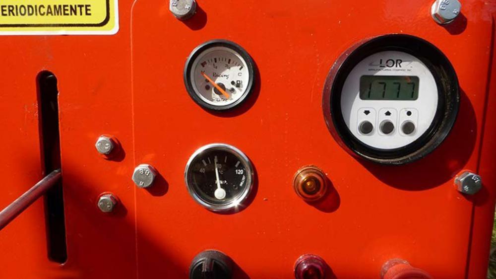 Sistema de control de velocidad del panel para la trituración eficiente de las ramas