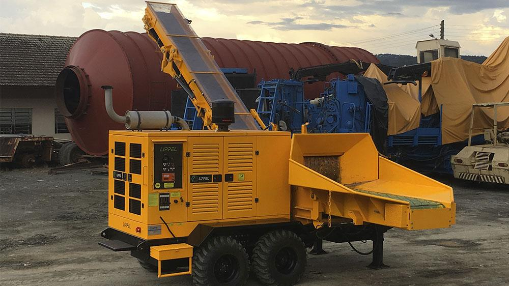 Forestry Wood Chipper with up to 120 m³ hour production and great mobility