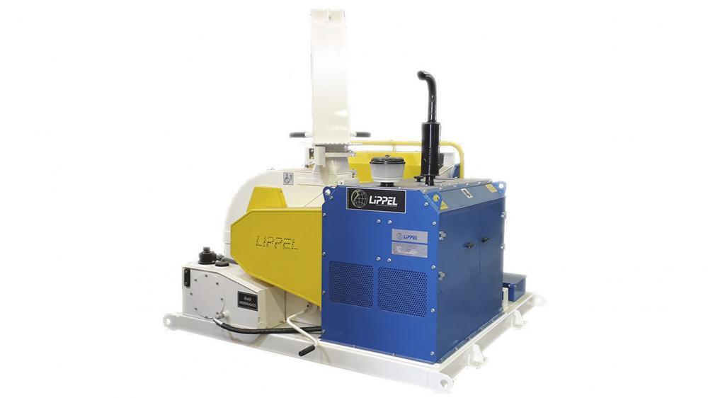 Triturador de galhos com potente motor diesel