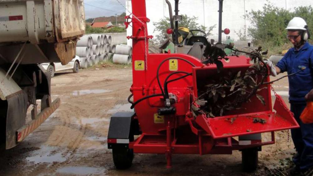 Wood chipper in operation