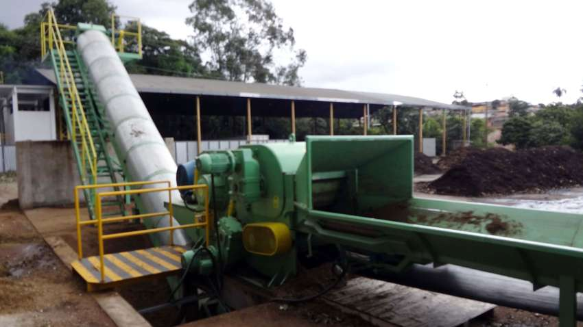 wood chipper vision and conveyor output conveyor