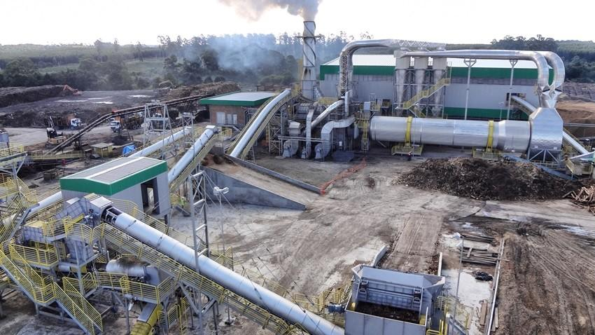 Nesses complexos fabris incorporamos nossas soluções em processamento, classificação, movimentação, armazenagem e geração de energia com biomassa